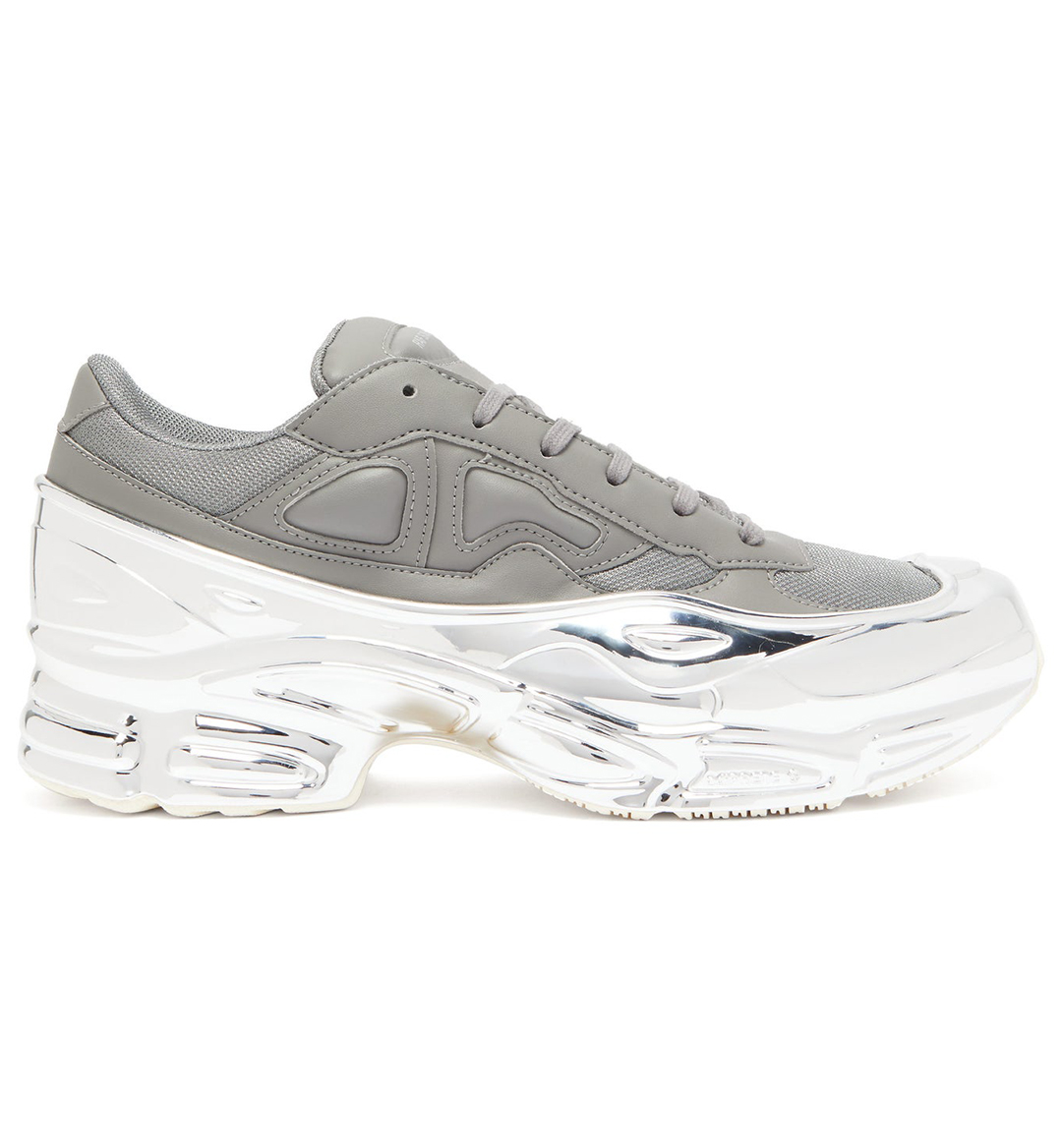 chunky dad sneaker trend mobile