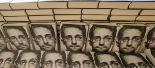 books that make you think edward snowden permanent record
