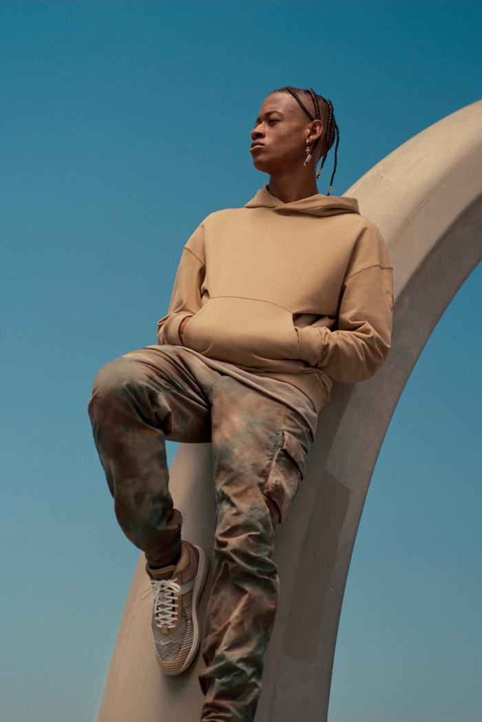 https hypebeast com image 2019 10 john elliott nike lebron icon qs apparel clothing collab 1