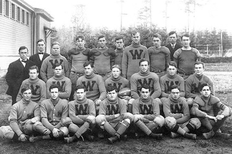college football winning streaks 0000 University of Washington football team 1908 with coach Gil Dobie Seattle CURTI