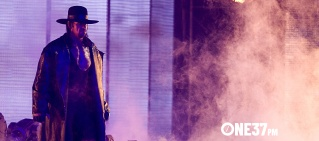undertaker wrestlemania hero 1