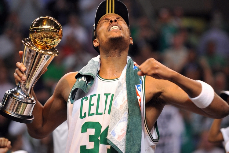 best nba teams of all time horizontal 0010 GettyImages 81610221