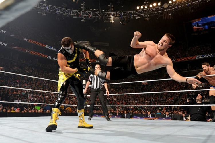 wwe celebrities 0028 Stephen Amell and Stardust Lead 1024x640 1